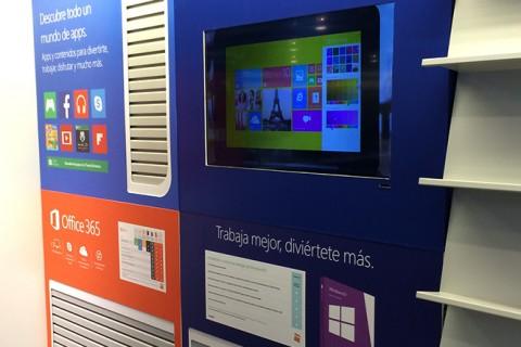 Lineal productos Microsoft en tiendas Fnac